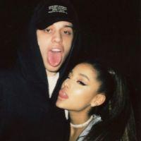 Ariana Grande vai casar: uma linha do tempo de seu noivado relâmpago com Pete Davidson!