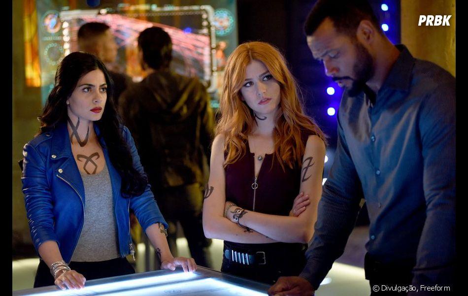 """Showrunner de """"Shadowhunters"""" tranquiliza fãs sobre final da série: """"Vocês todos ficarão muito satisfeitos"""""""