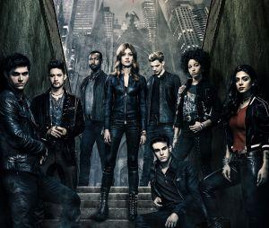 """Showrunner de """"Shadowhunters"""" diz que final da série não será corrido:""""Está tão bom e absolutamente lindo"""""""