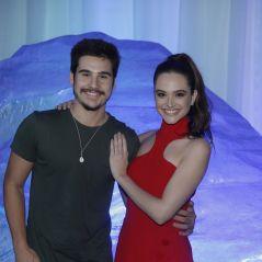 """Juliana Paiva e Nicolas Prattes não assumem namoro, mas não se largam em festa de """"O Tempo Não Para"""""""