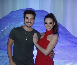 Juliana Paiva e Nicolas Prattes não assumem que estão juntos, mas tá na cara!