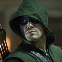 """Na 3ª temporada de """"Arrow"""": Ray Palmer e papai Diggle aparecem em fotos"""