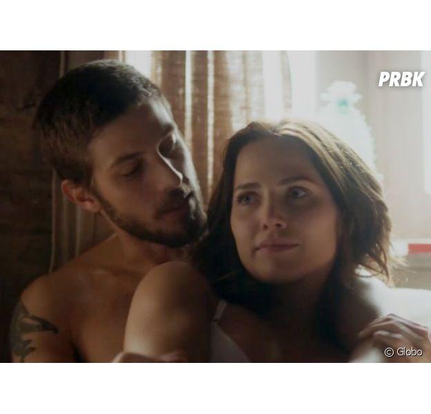 """Em """"Segundo Sol"""", Ícaro (Chay Suede) e Rosa (Letícia Colin) transam no bordel"""