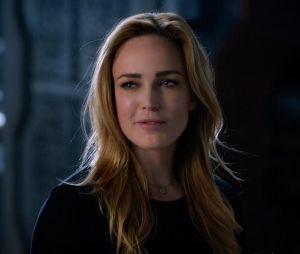"""Em """"Legends of Tomorrow"""", Sara (Caity Lotz) é bissexual na série"""