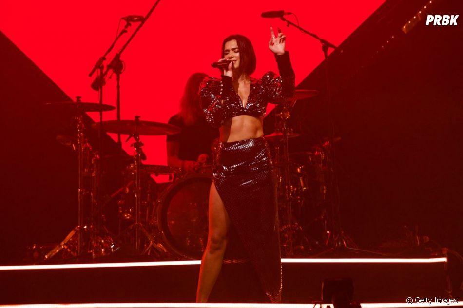 Fãs de Dua Lipa são levados a força para fora do show da cantora