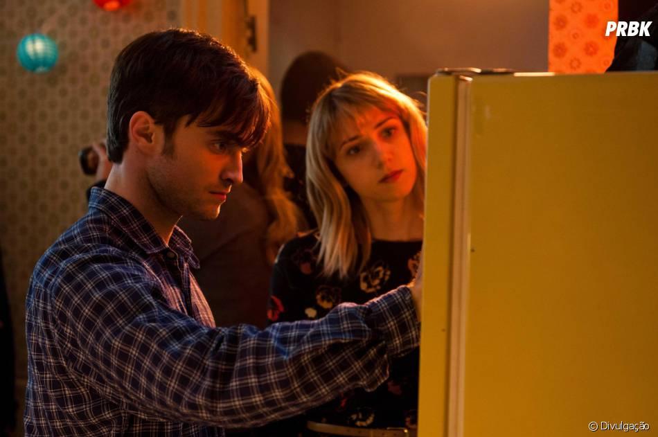 """No filme """"Será Que?"""", Daniel RadcliffeeZoe Kazan vivem amigos que sentem algo mais"""