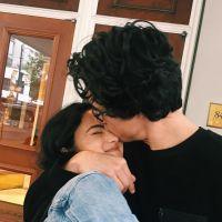 "Alerta casal de ""Riverdale"": Camila Mendes assumiu namoro com Charles Melton!"