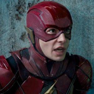 """Os fãs de """"The Flash"""" vão ter que esperar o filme até 2021 por causa de """"Animais Fantásticos""""!"""