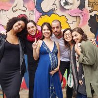 """Elenco de """"Malhação: Viva a Diferença"""" se reencontra no chá de bebê da Daphne Bozaski"""