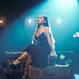 """Ariana Grande surpreende mais uma vez com clipe de """"breathin"""""""