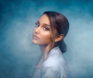 Ariana Grande muda visual e compartilha vídeos de seu próximo single