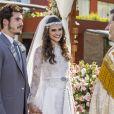 """Em """"O Tempo Não Para"""": Samuca (Nicolas Prattes) e Marocas (Juliana Paiva) irão trocar votos com muito amor"""