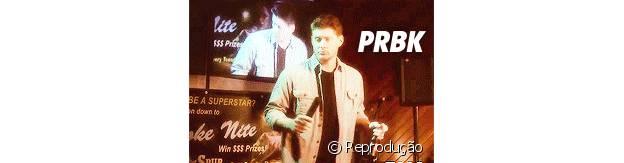 Dean canta