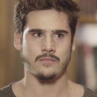 """Samuca se desespera ao descobrir que vão explodir a SamVita em """"O Tempo Não Para"""""""