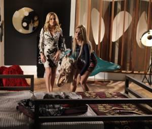 """Em """"Geração Brasil"""", Megan (Isabelle Drummond) se desespera e tenta ir atrás de Davi (Humberto Carrão)"""