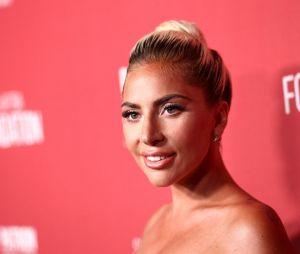 Após polêmica envolvendo assédio, Lady Gaga promete nunca mais trabalhar com R. Kelly e pede desculpas