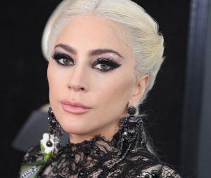 Lady Gaga faz textão pedindo desculpas e promete nunca mais trabalhar com R. Kelly