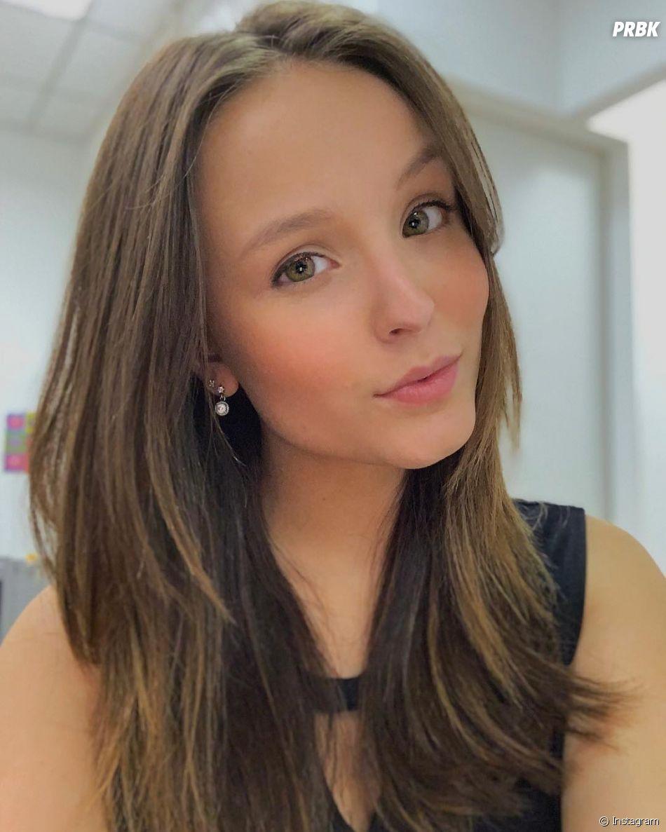 """A letra de """"Desencosta"""" mostra uma Larissa Manoela muito mais madura"""
