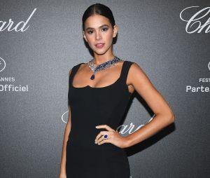 Nas redes sociais, Bruna Marquezine lamenta não saber dançar sua própria dança