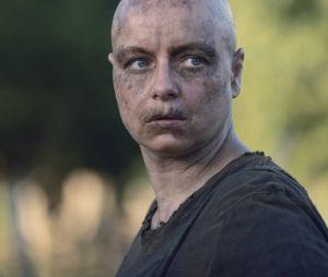 """Alpha (Samantha Morton) mostra que é mais insana do que esperávamos em""""The Walking Dead"""""""