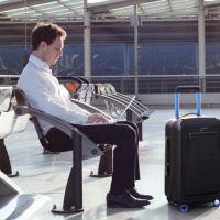 Para viajantes: uma mala inteligente que recarrega o celular e outra coisas