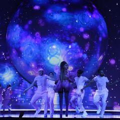 """A nova era está lançada! Ariana Grande lança a """"sweetener world tour"""" e a gente conta tudo pra vocês"""