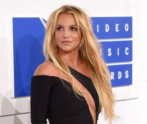 Britney Spears se interna em clínica psiquiátrica