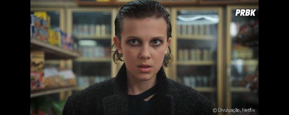 """Nos bastidores de """"Stranger Things"""", David Harbour conta que Millie Bobby Brown tem liberdade para argumentar com ele"""