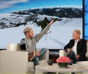 Zac Efron viu estátua de cera pela primeira vez com a Ellen DeGeneres
