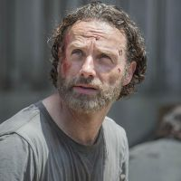 """Na 5ª temporada de """"The Walking Dead"""": Andrew Lincoln comenta atitude de Rick"""