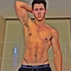 10 vezes em que Nick Jonas tirou a camisa e nos deu uma parada cardíaca!