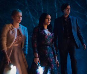 """Final """"Riverdale"""": muitos segredos são respondidos e novo mistério surge no season finale"""