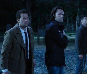 """""""Supernatural"""": atores falam sobre a reta final e se emocionam com possível desfecho de Sam (Jared Padalecki), Dean (Jensen Ackles) e Castiel (Misha Collins)"""