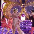 """Taylor Swift e Brendon Urie arrasam em apresentação de """"ME!"""" no palco do """"The Voice USA"""" na última terça (21)"""