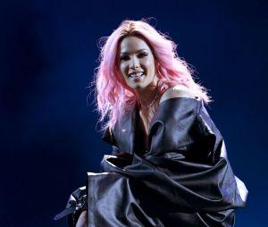 """Halsey apresentou sua nova música """"Nightmare"""" na final do """"The Voice USA"""""""