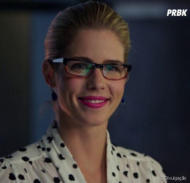 """Todo mundo quer Felicity (Emily Bett Rickards) de volta em """"Arrow"""""""