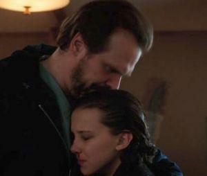 """""""Stranger Things"""": David Harbour diz que relação entre Hopper e Eleven (Millie Bobby Brown) estará mais delicada"""