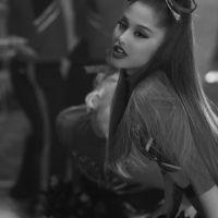 Tudo indica que a Ariana Grande vai lançar um clipe em breve, hein!