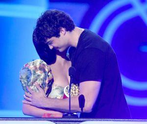 Noah Centineo e Lana Condor: ficou impossível não shippar esses dois depois doMTV Movie & TV Awards 2019