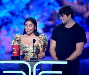 """MTV Movie & TV Awards 2019: Noah Centineo e Lana Condor ganham prêmio de Melhor Beijo por cena de """"Para Todos os Garotos que Já Amei"""""""