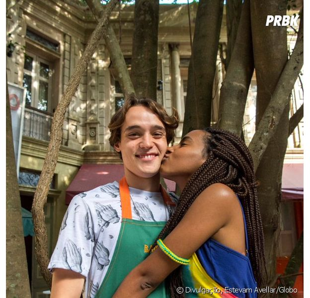 """""""Malhação"""": primeiro beijo de Jaque (Gabz) e Thiago (Danilo Maia) vai ao ar nesta segunda-feira (12)"""
