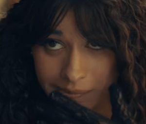 """""""Liar"""": novo clipe de Camila Cabello é bem engraçado"""