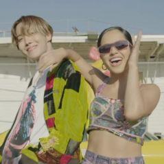 """Estão servidos? J-Hope e Becky G lançam MV de """"Chicken Noodle Soup"""""""