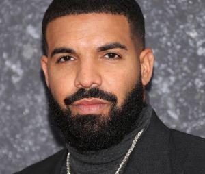 Drake sofre críticas por se aproximar de pessoas muito mais novas que ele, como Billie Eilish e Millie Bobby Brown