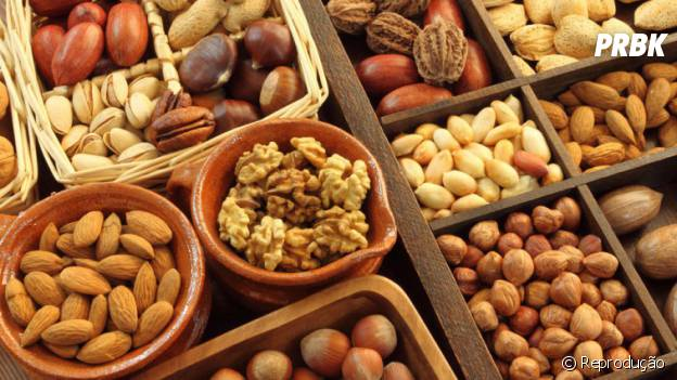 Nozes, castanhas, amêndoas, amendoim...