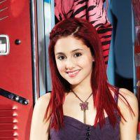 """A Ariana Grande separou as melhores fotos para comemorar os 10 anos de """"Brilhante Victória"""""""