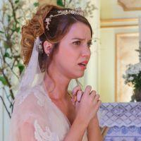 """Novela """"Alto Astral"""": No altar, Laura se lembra de noite de amor com Caíque!"""