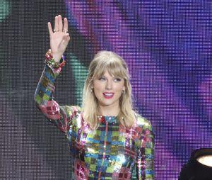 Taylor Swift pegou todo mundo de surpresa ao anunciar o lançamento de seu novo álbum de estúdio