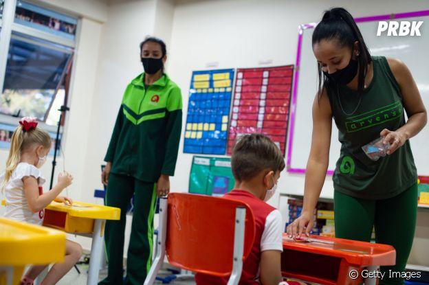 Algumas instituições de ensino do Brasil já voltaram a ter aulas presenciais