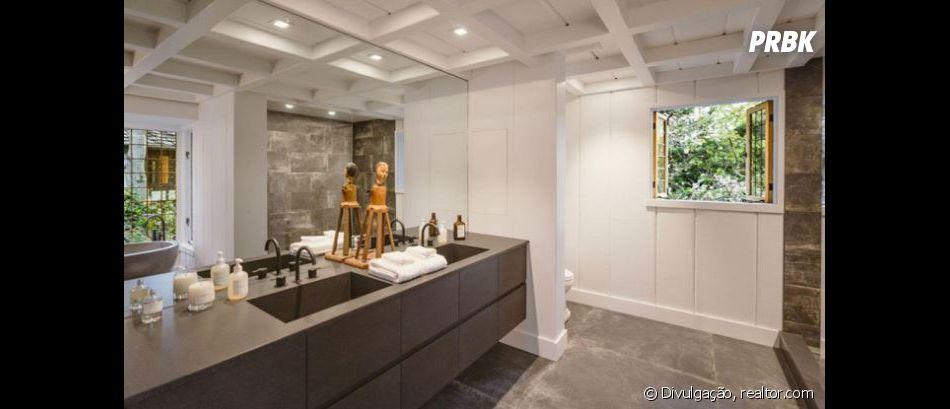 Casa em que Ariana Grande se casou tem dois banheiros